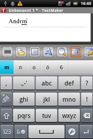 Abbildung 2: Während man bei der kleinen Tastatur zumindest noch etwas vom Text lesen kann, ?